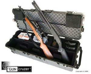 Multi-weapon carrying case