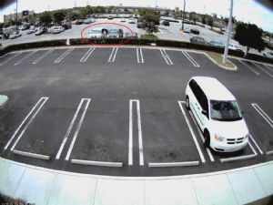 Car thieves caught in the act by IQeye cameras
